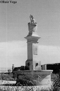 Monumento/fuente a la Varona en el jardín de su casa solariega (Villanañe, Alava)